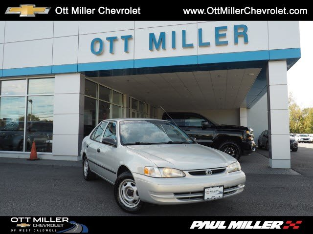 Pre-Owned 2000 Toyota Corolla VE